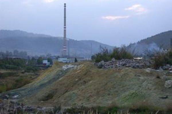 Halňa. Bývalú skládku priemyselného odpadu zrekultivujú.