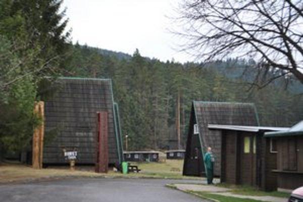 Autokemping. Oplotenie areálu zvýši bezpečnosť návštevníkov.