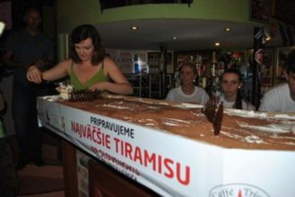 Rekordný koláč ochutnali Levočania.
