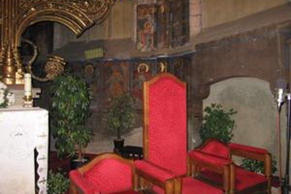 V blízkosti hlavného oltára. Levočskí reštaurátori už o niekoľko dní začnú pracovať na obnove týchto vzácnych malieb.