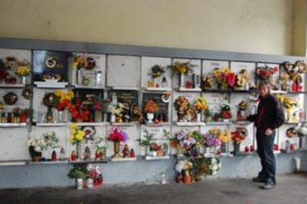 Kolumbárium. Prvé postavili pri vstupnej bráne starého cintorína. V jeho susedstve vznikne nové s 50 urnovými miestami.