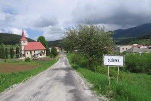 Oľšavka. Obyvatelia tejto malej dediny sa zjednotili a dokázali vyzbierať sumu takmer 40-tisíc eur. Zmobilizovala ich predstava, že by v ich dedine žili neprispôsobiví ľudia.