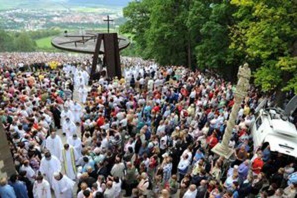 Levočská púť na Mariánskej hore v Levoči vyvrcholila slávnostnou odpustovou svätou omšou, ktorú celebroval bratislavský arcibiskup a metropolita, predseda Konferencie biskupov Slovenska Mons. Stanislav Zvolenský.