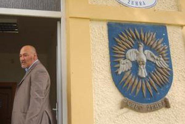 Marián Mižigár je aj nie je poslancom. A tak na obecný úrad prichádza zatiaľ iba ako občan.