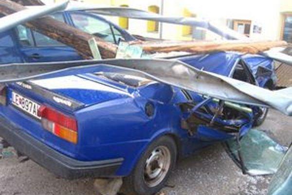 Majiteľ môže toto auto odtiahnuť rovno na šrotovisko.