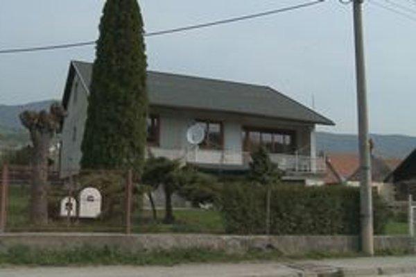 Miesto nešťastia. V tomto dome zahynul mladý muž.