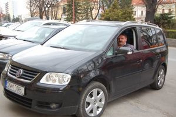 Spoľahlivý volkswagen. Novovešťan Mikuláš je so svojím autom spokojný.