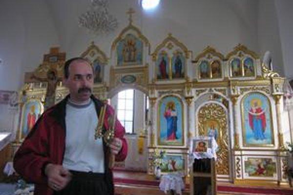 Poľnohospodársky inžinier. Vladimír Kuzma pracoval na Slovensku najprv ako stavebný robotník.