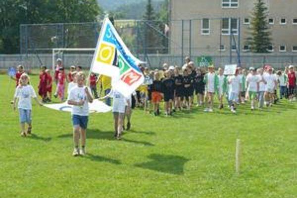 Má v Olcnave už dvojročnú tradíciu. Školáci zo 6 obcí si zmerali svoje sily.