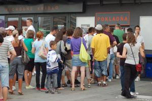 Na prípravný zápas Košíc proti Sp. Novej Vsi sa v utorok čakalo na vstupenky pri pokladniciach strašne dlho.
