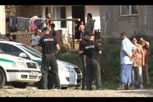 Policajná razia. Niekoľko desiatok policajtov v piatok poobede vykonalo policajnú raziu v Rudňanoch.