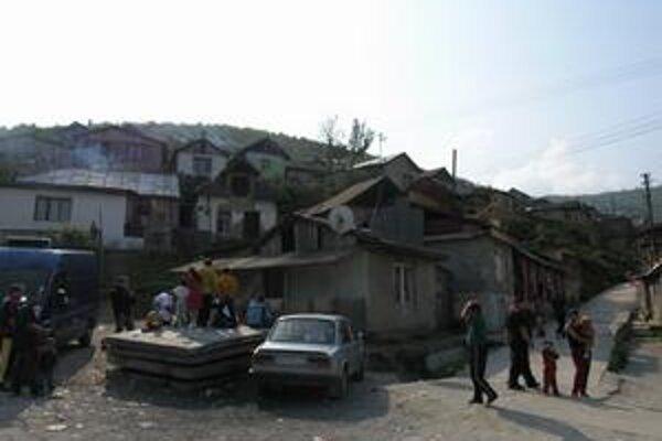 Najvážnejšia situácia. V tejto richnavskej osade bolo v lete chorých 40 detí.
