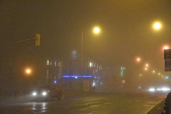 Hmla v meste Poprad.