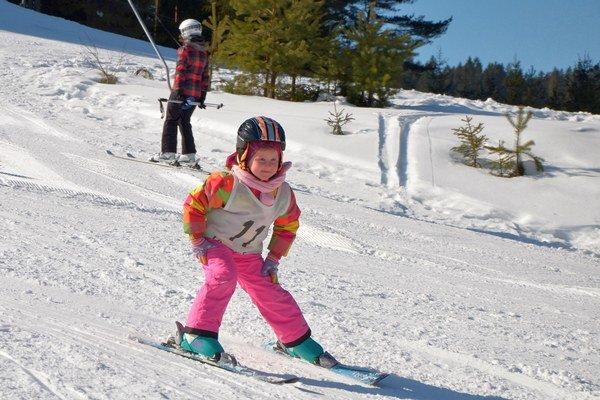 Lopuška Cup. Najmenší pretekári potvrdili, že na lyžiach to vedia.