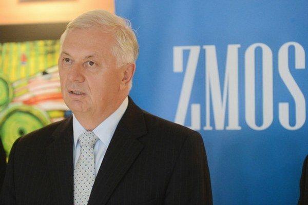 Michal Sýkora. Chgce, aba samosprávy mali väčšie rozhodovacie právo v školstve.
