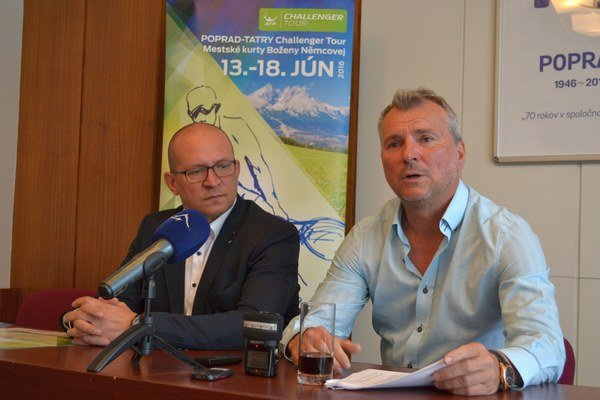 Branislav Stankovič počas tlačovej konferencie.