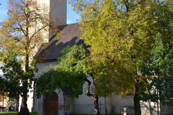 Kostol sv. Egídia. Je najcennejšou pamiatkou v centre Popradu.