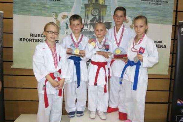 Medailisti. Shihan Poprad v Chorvátsku potešil.