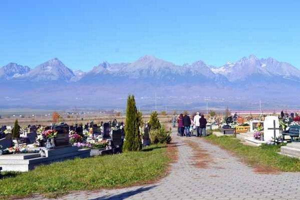 Cintorín v Poprade – Veľkej. Samospráva chce zlepšiť situáciu za jeho bránami.