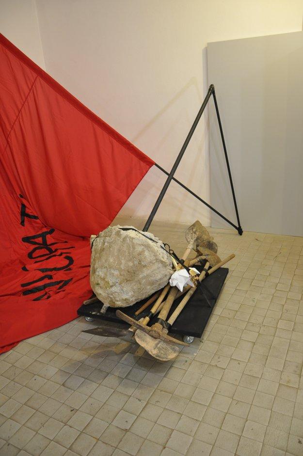 Jan Kosta - Parafráza sociálnej ťarchy na pleciach jednotlivca.