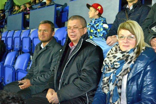 Štefan Vaľko. Predseda PFZ (uprostred) nemohol chýbať pri otváraní NTC Poprad.
