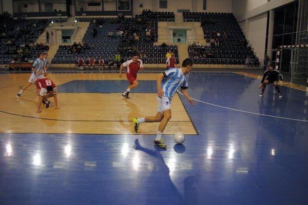 Stará škola proti mladej krvi. FK Poprad U19 nestačil ani mohutný finiš.