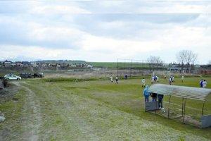 Po sobotnej bitke sa v nedeľu hral futbal pod dohľadom  polície.