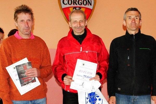 Milan Blaško (vľavo) skončil druhý v kategórii mužov od 50 do 59 rokov.