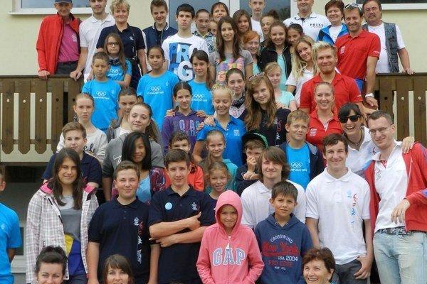 Vo Vysokých Tatrách. Olympionici sa stretli s deťmi z tábora.
