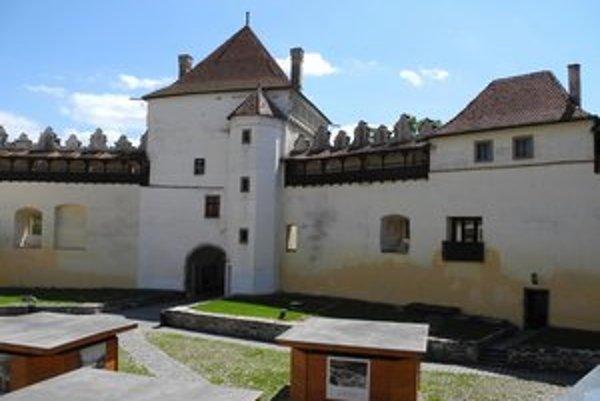 Dnes ukončujú ďalšiu etapu prác na hrade.