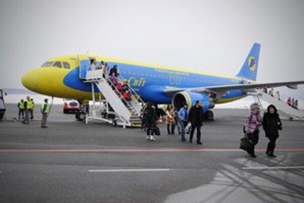 Na popradské letisko v piatok 28. decembra 2012 prileteli dva charterové lety z Ukrajiny.
