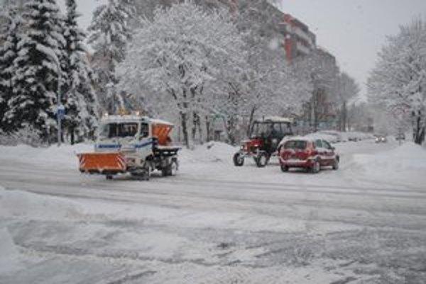 Popradské ulice dostali v zime zabrať.