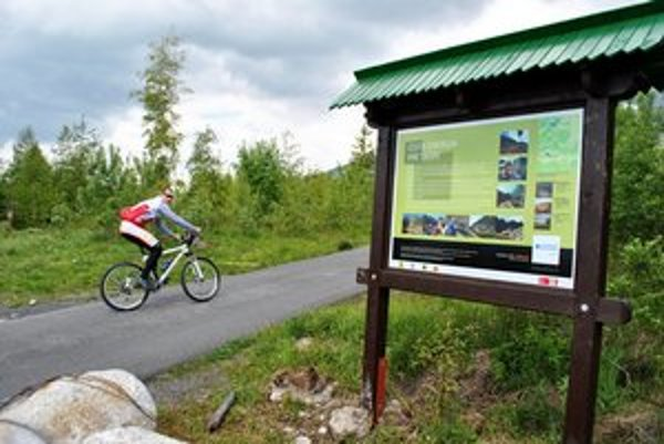 Cyklochodníky. Cyklistom pribudnú ďalšie kilometre trás.