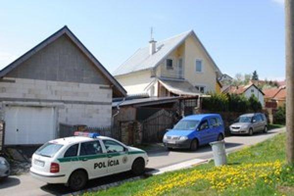 Rodinný dom v Žakovciach. Zažil krvavú drámu.