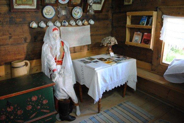 Sedliacky dvor. Ukazuje tradičný život v horách.