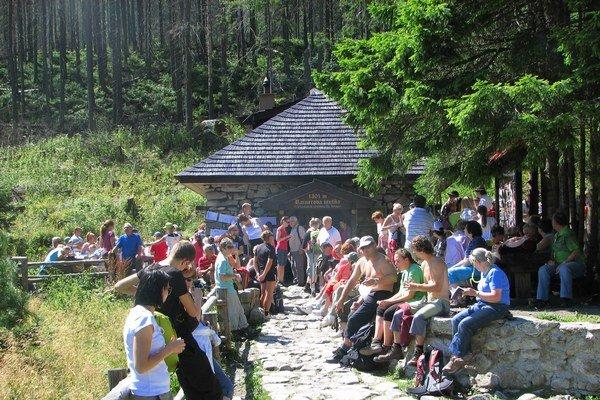 Starolesnianska poľana počas osláv Dňa Rainerovej chaty.