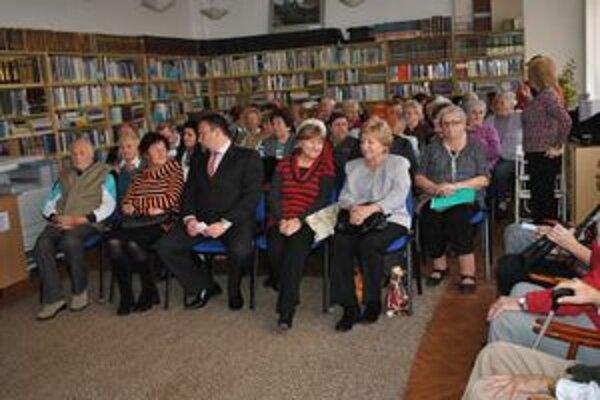 O recitátorskú súťaž seniorov bol veľký záujem.