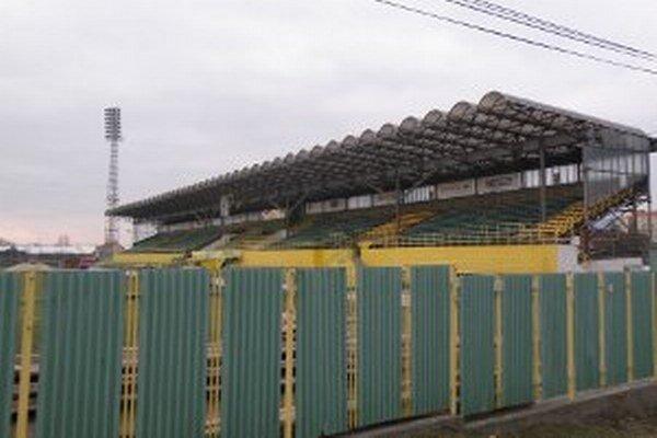 Obnovy sa štadión na budúci rok asi ešte nedočká.