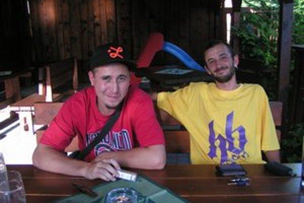 Ivan Knut (vľavo) a Michal Habaj. Grafitom sa venujú od základnej školy.