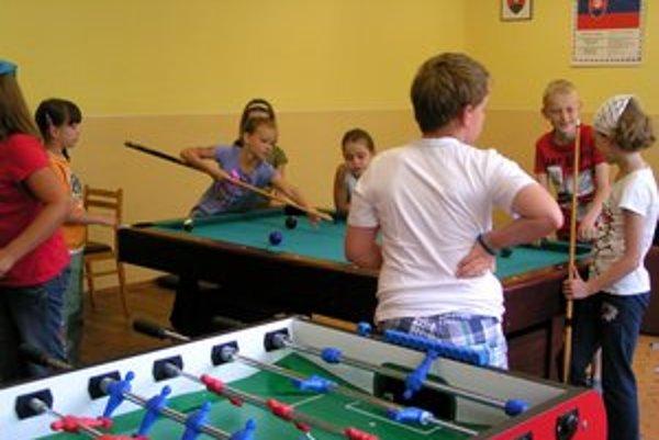 Centrum voľného času. Navštevujú ho aj deti z okolitých obcí.
