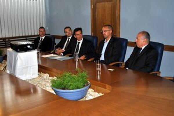 Talianska návšteva. Veľvyslanca pod Tatry priviedol šéf Taliansko–slovenskej obchodnej komory (úplne vpravo).
