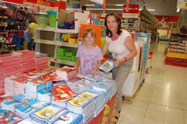 Elena Treskoňová so Sendy využila zľavy v dvoch veľkých obchodoch.