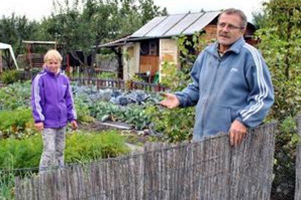 Záhradkári zo Svitu sa o odkúpenie pozemkov naťahujú s mestom už desať rokov.