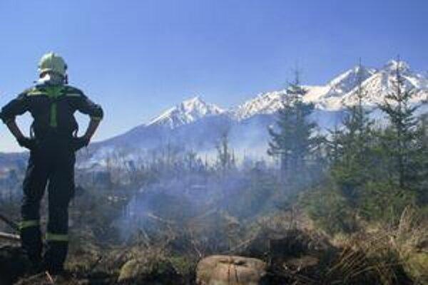 Požiar v tatrách uhasili.