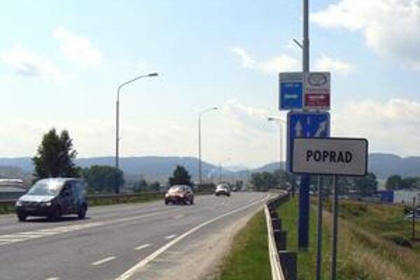 Zmätok. Kde sa začína Poprad, vám značka na ceste z Tatier povie. Kde sa končí, vodiči idúci hore môžu hádať.