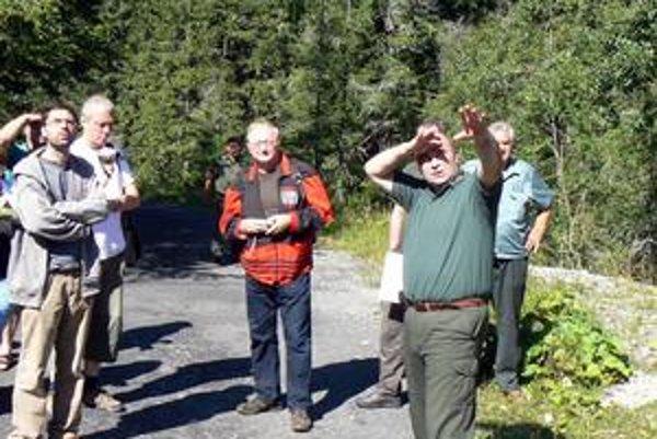 Peter Líška. Riaditeľ Štátnych lesov TANAP-u (vľavo) z rozsahu pohromy viní orgány štátnej správy.