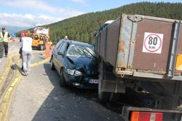Havária. Vodička sa, našťastie, zranila len ľahko.