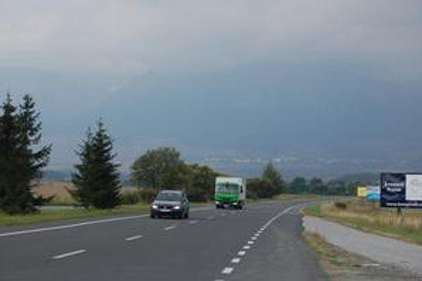 Cesta smrti. Veľmi nebezpečný úsek častých stretov zveri s autom je práve medzi Popradom a Vysokými Tatrami.