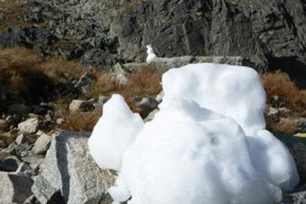 Prvý sneh pocukroval vysoké polohy Tatier.