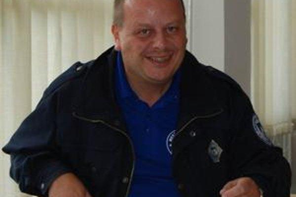 Jozef Štefaňák. Mestská polícia vo Vysokých Tatrách organizuje pravidelné stretnutia s dôchodcami.